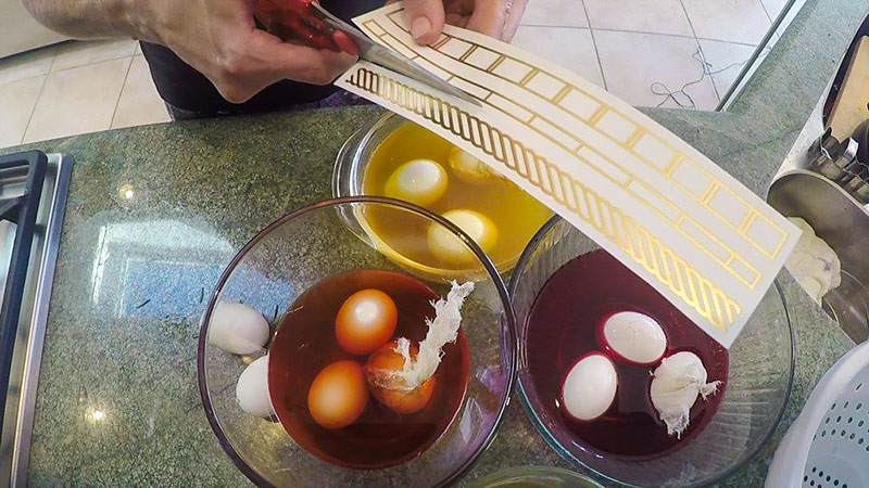 Chef V Cutting Flash Tats for Easter eggs