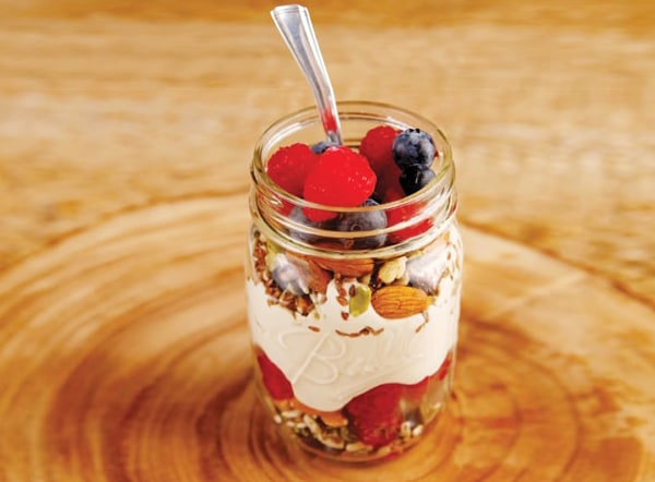 creamy berry parfait